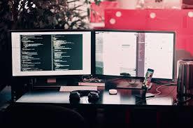 Gejala Mata Rusak Akibat Terlalu Lama Berada di Layar Monitor dan Tipsnya
